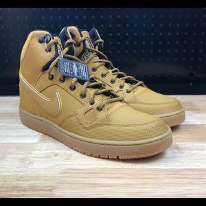 Nike Men's Son of Force Mid Winter Basketball New